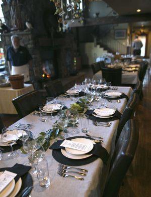 DU-Dinner-Tables